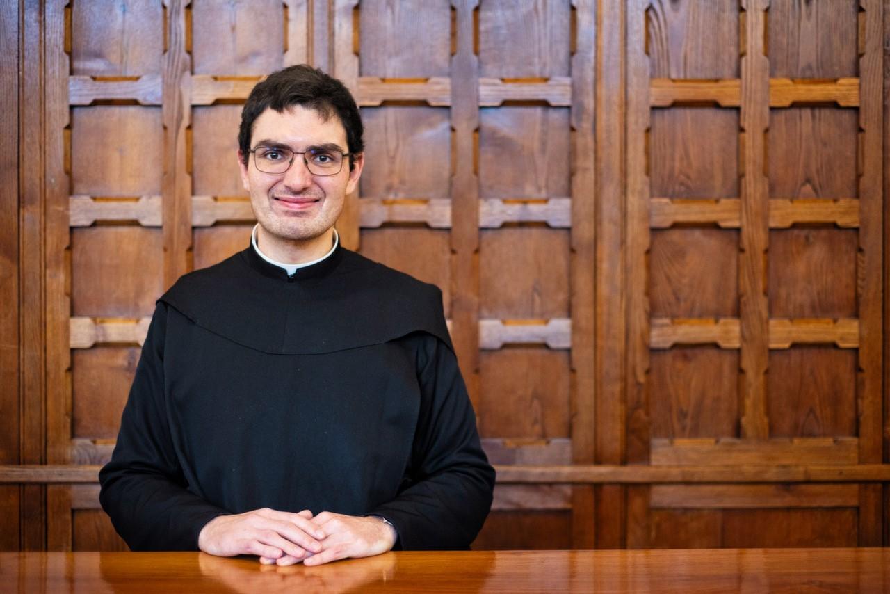 Frater Meinrad Maria Hötzel im «Pontificio Ateneo Sant'Anselmo», der internationalen Hochschule der Benediktiner in Rom. Foto: Br. Simon Stubbs OSB